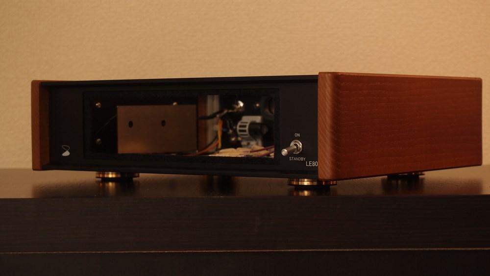 LE802-Front1